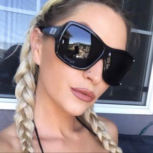 """Best Selling Sunnies 🌞😎 FlyGirls! """"On The Fly""""💥"""